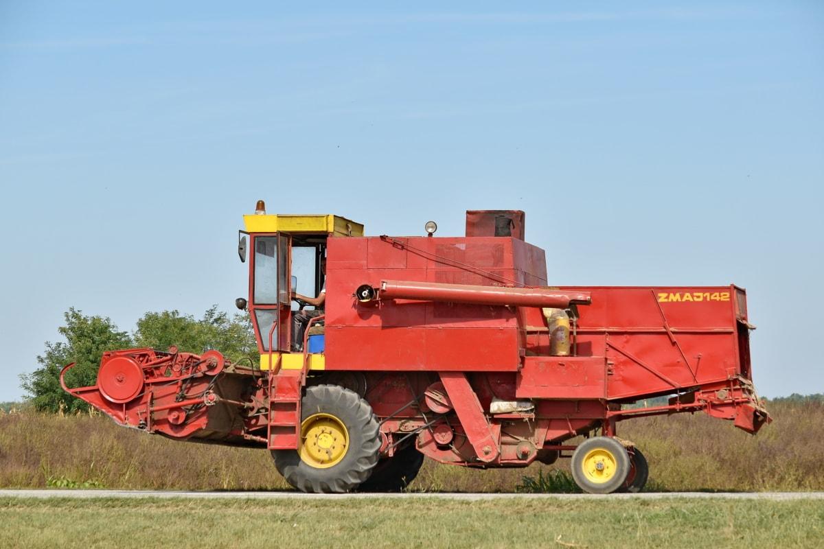 كل مايجب معرفته عن الحاصدات في الزراعة